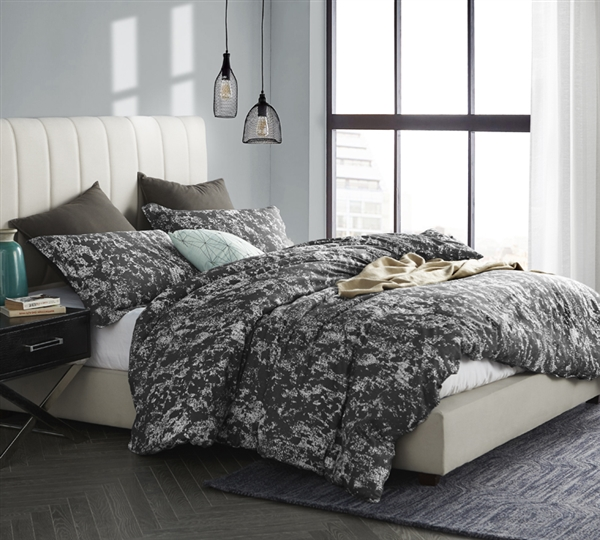 oversized king xl bedding stylish king xl duvet cover distraction dark gray and white unique pattern. Black Bedroom Furniture Sets. Home Design Ideas
