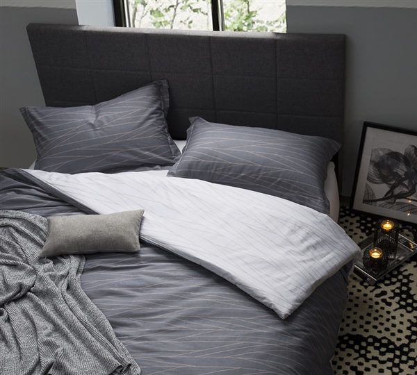 gray extended king xl bedding decor stylish oversized king duvet cover unique fracture design. Black Bedroom Furniture Sets. Home Design Ideas