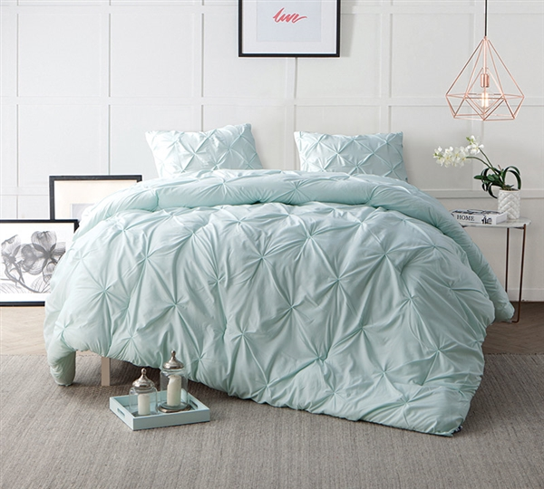 Hint Of Mint Pin Tuck Oversized King Comforter Sets   Comfortable Bed  Comforter In King XL